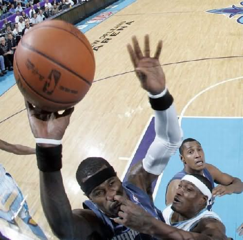 Finger Inside Nose Funny Basketball Sport Picture