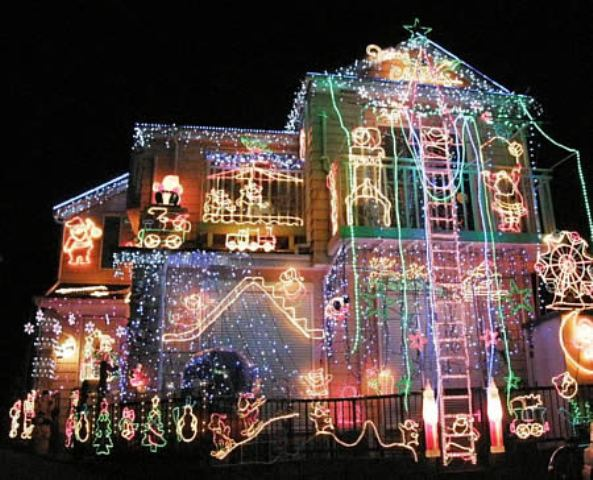 40 beautiful christmas decoration ideas outdoor christmas lighting decoration aloadofball Choice Image