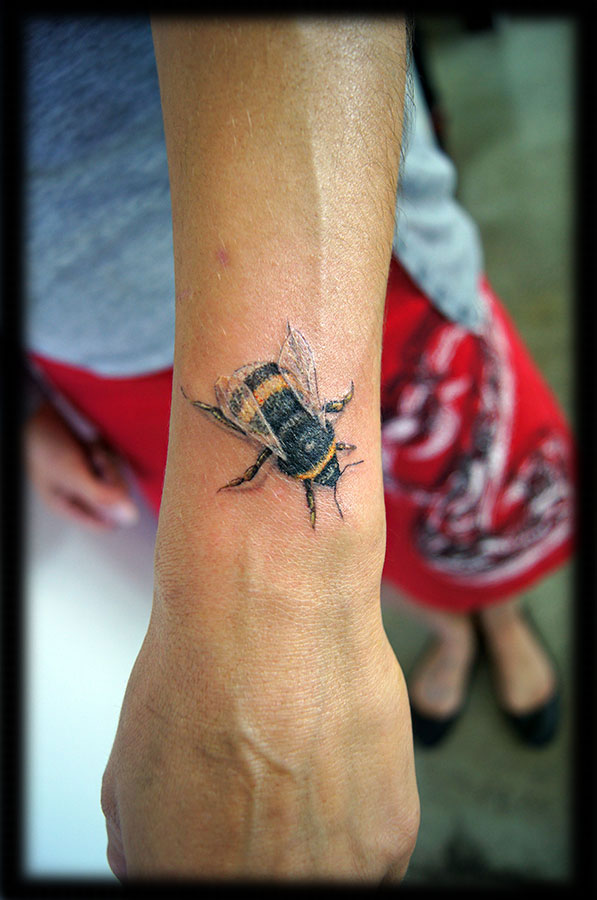 26 realistic bumblebee tattoos collection for Why did lou leave tattoo fixers