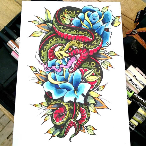 6d4b7fc93 Traditional Snake With Roses Tattoo Design