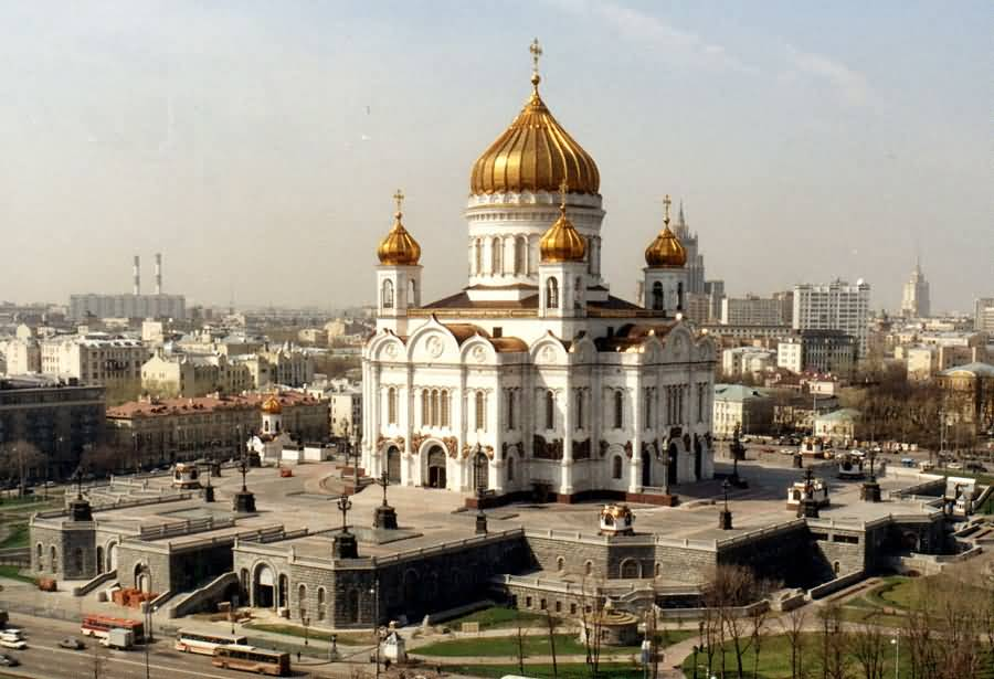 50 incredible pictures of christ the saviour cathedral in for Famous landmarks in russia