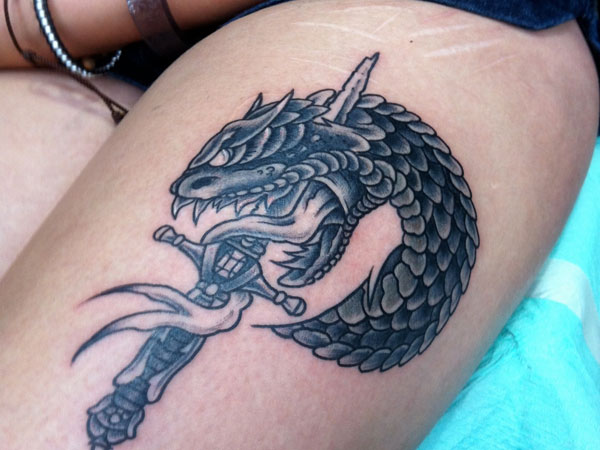 43 samurai sword tattoos with meanings for Dragon and samurai tattoo meaning
