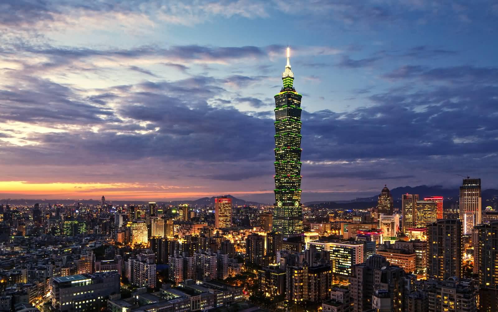 Nightlife in Taipei Taiwan  Time to Get Naughty!