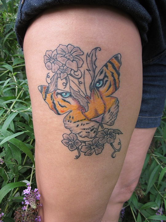 53 tiger tattoos and designs for thigh. Black Bedroom Furniture Sets. Home Design Ideas
