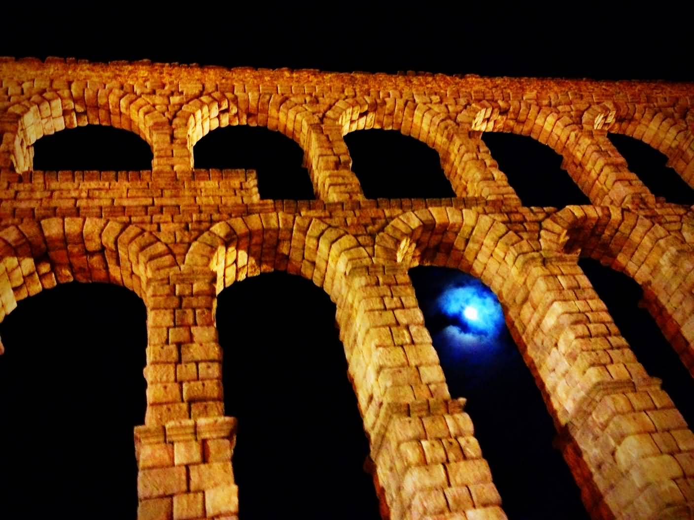 Aqueduct Of Segovia Lit Up At Night