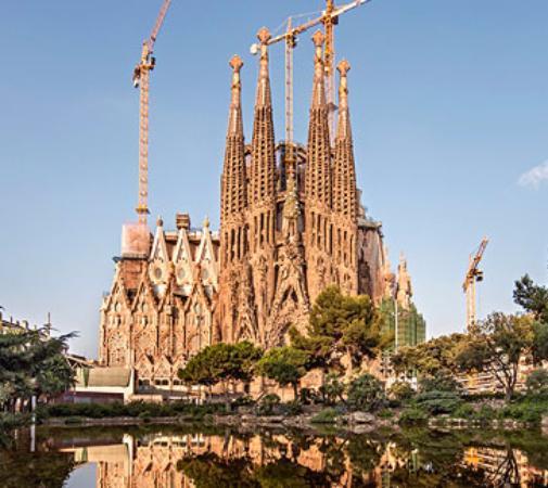 50 Best Sagrada Familia Cathedral Pictures