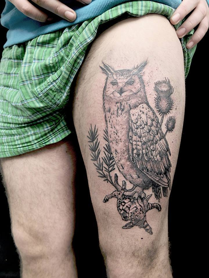 Black Ink Owl Tattoo On Left Thigh