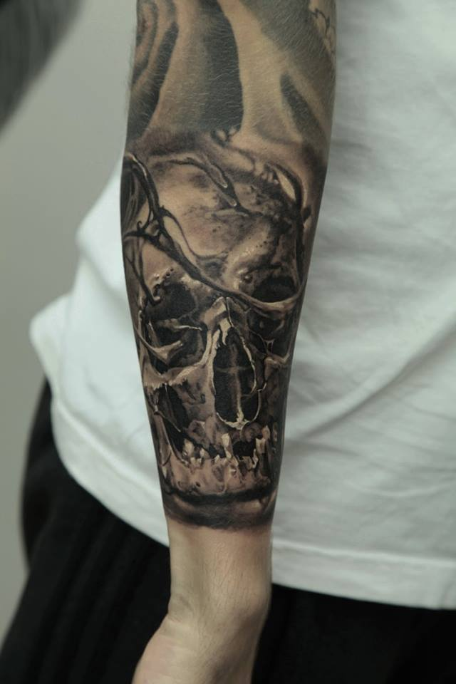 Classic Skull With Flower Tattoo Design