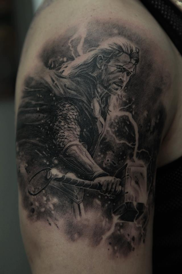black ink thor chris hemsworth tattoo on right half sleeve. Black Bedroom Furniture Sets. Home Design Ideas