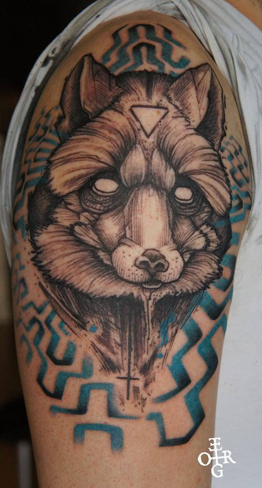 Attractive Black Ink Wolf Head Tattoo On Right Shoulder
