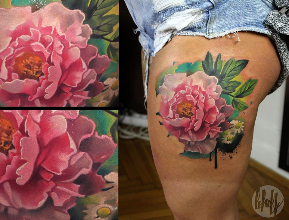 Attractive Flower Tattoo On Left Side Thigh