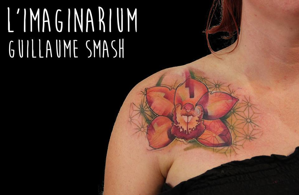 Awesome Abstract Flower Tattoo On Women Right Front Shoulder
