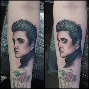 Face tattoos for Chris martin tattoos