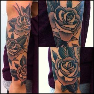 Black ink roses tattoo on right arm by chris martin for Chris martin tattoos