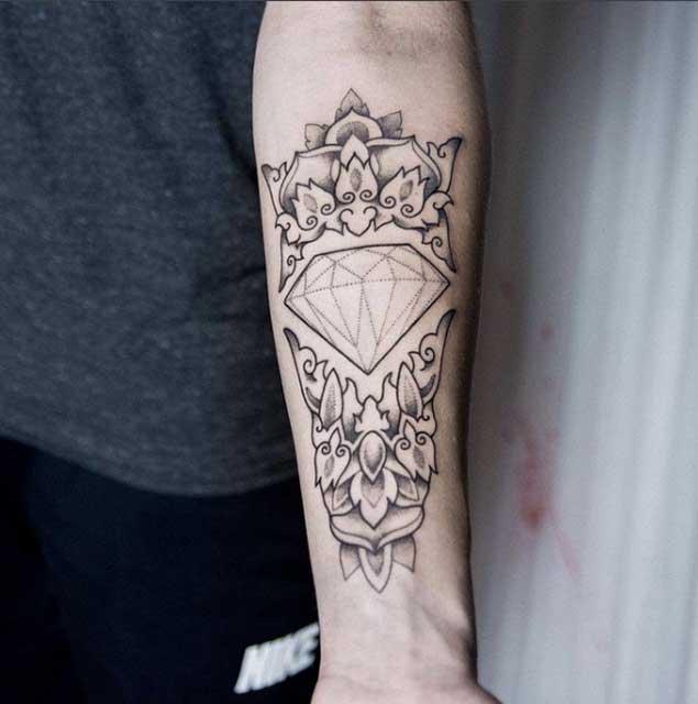 56+ Latest Diamond Tattoos Ideas