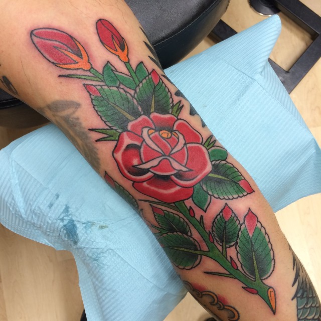 Traditional Roses Tattoo On Full Sleeve