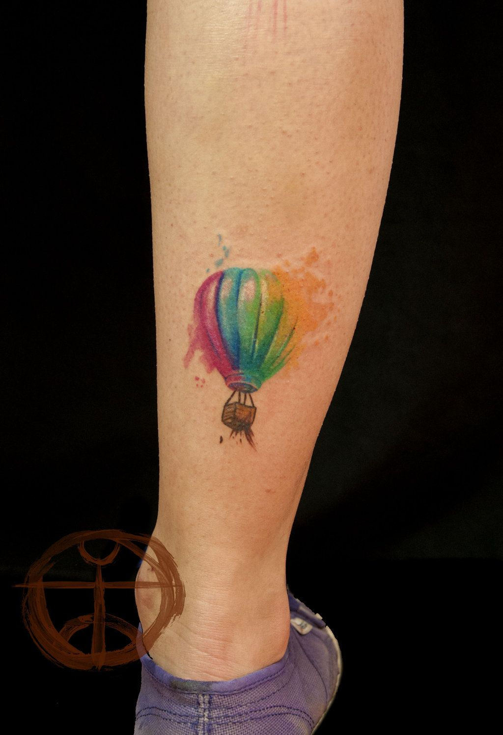 Watercolor Hot Air Balloon Tattoo On Right Back Leg