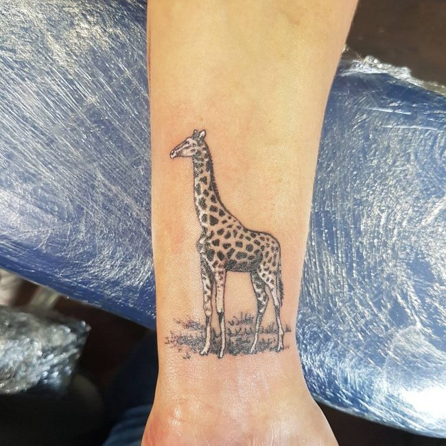 53 Best Giraffe Tattoos Design And Ideas
