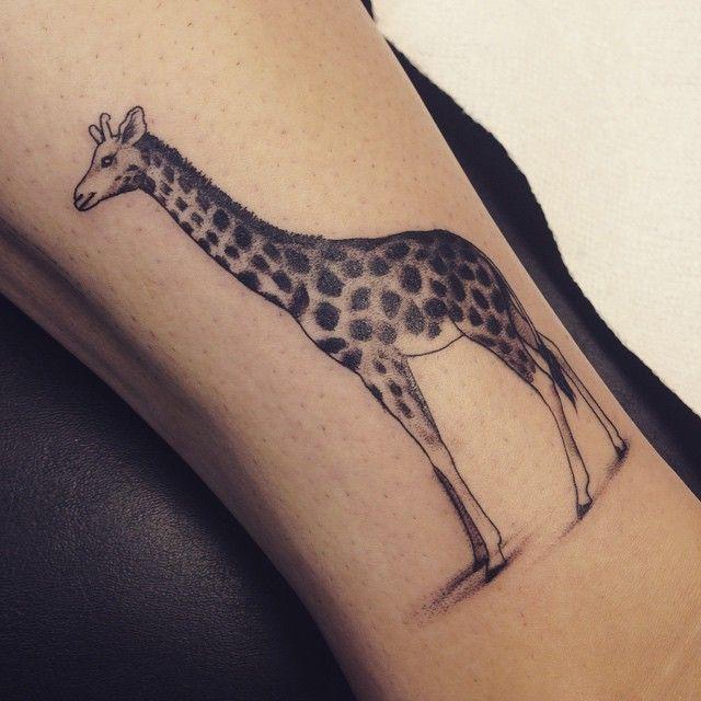6d72e0ff8 Black Ink Giraffe Tattoo Design For Sleeve