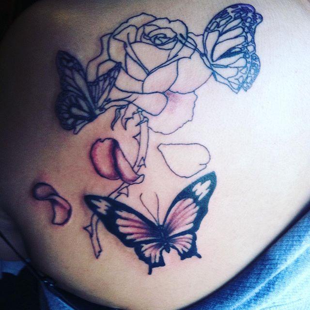 outline rose flowers and flying butterflies tattoo on back shoulder. Black Bedroom Furniture Sets. Home Design Ideas