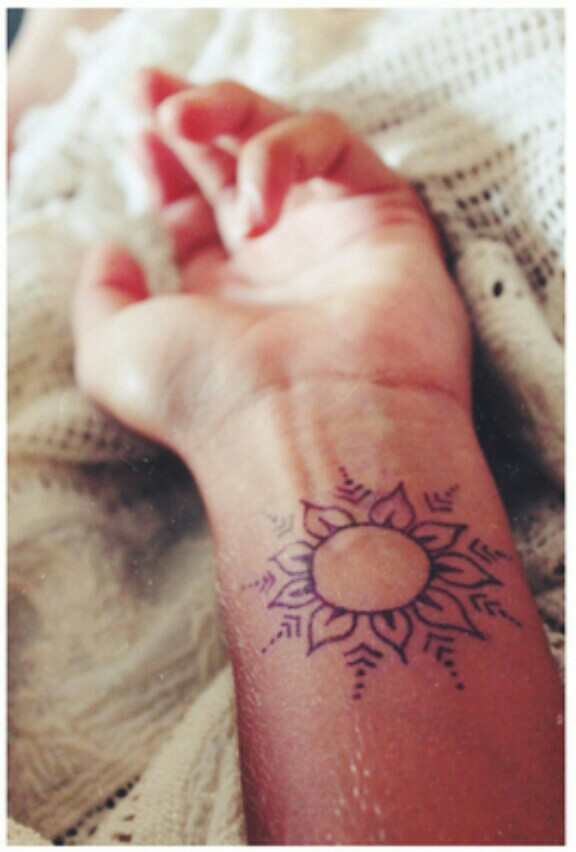 45 Simple Sun Tattoos Collection