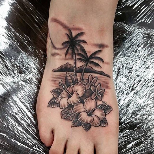 27 Hawaiian Tattoo Ideas Designs: 75+ Beautiful Palm Tree Tattoos With Meanings