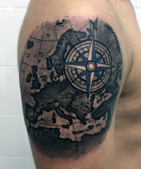 40 Traditional Compass Tattoo Designs For Men: Man With Map And Compass Tattoo On Right Shoulder