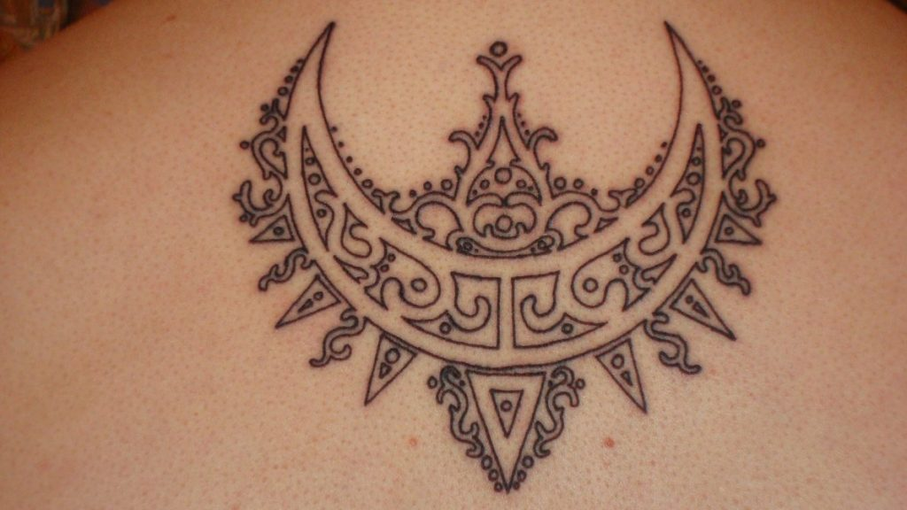 73da178d5 64+ Beautiful Crescent Moon Tattoos With Meaning