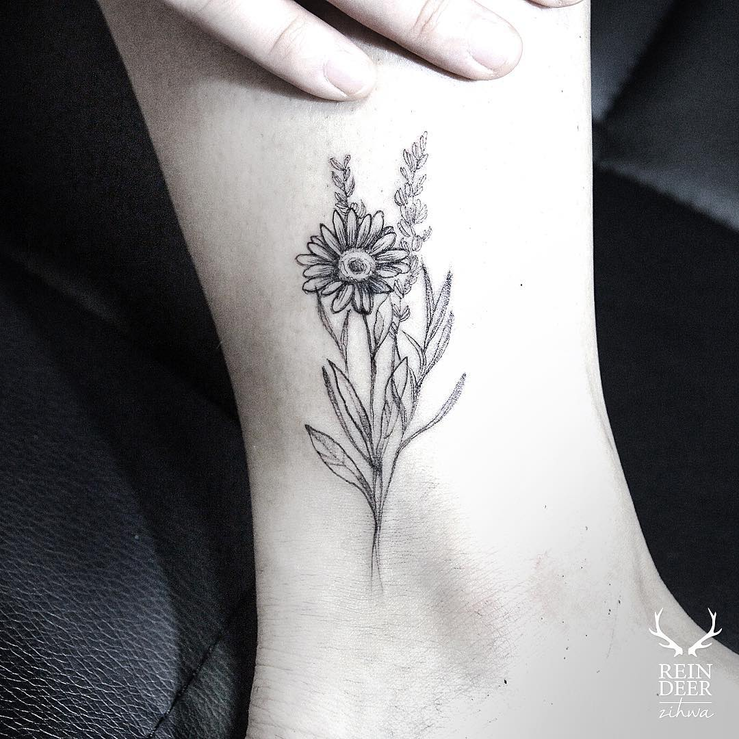 Small Grey Tattoo: 61+ Small Daisy Tattoos Ideas With Meaning