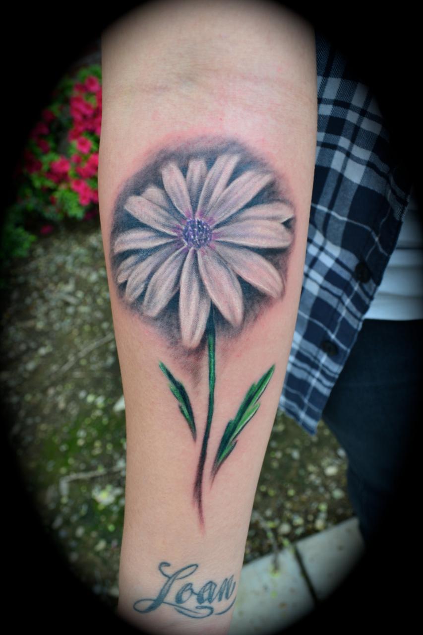 55 Beautiful Daisy Flowers Tattoos