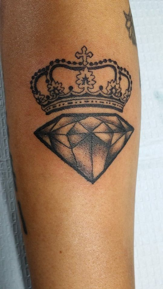 Black Ink Crown And Diamond Tattoo