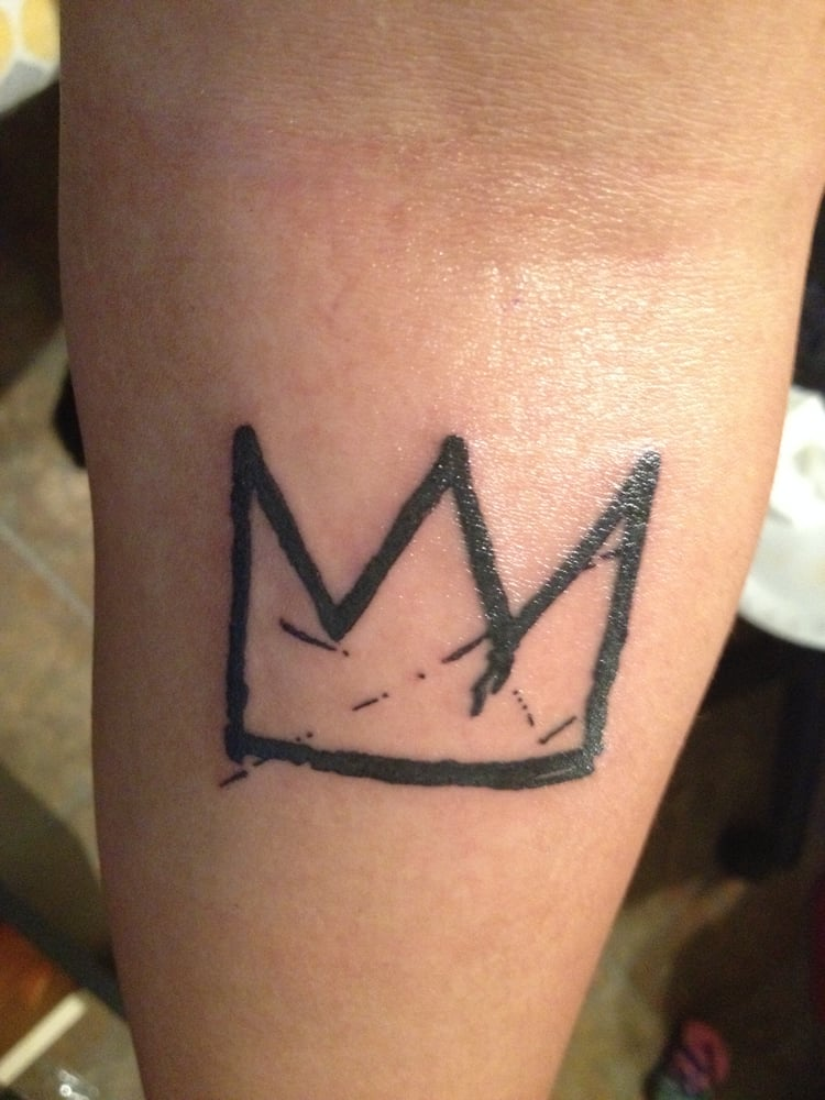 Simple crown tattoo design for Best crown tattoos