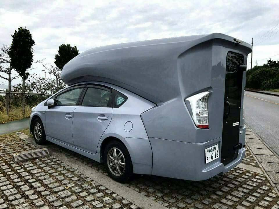 Just Japanese things – Toyota Prius with a room