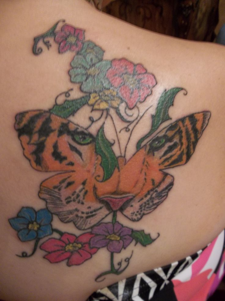 4cd12220b Feminine Tiger Butterfly Tattoo With Colored Flowers On Girl Back