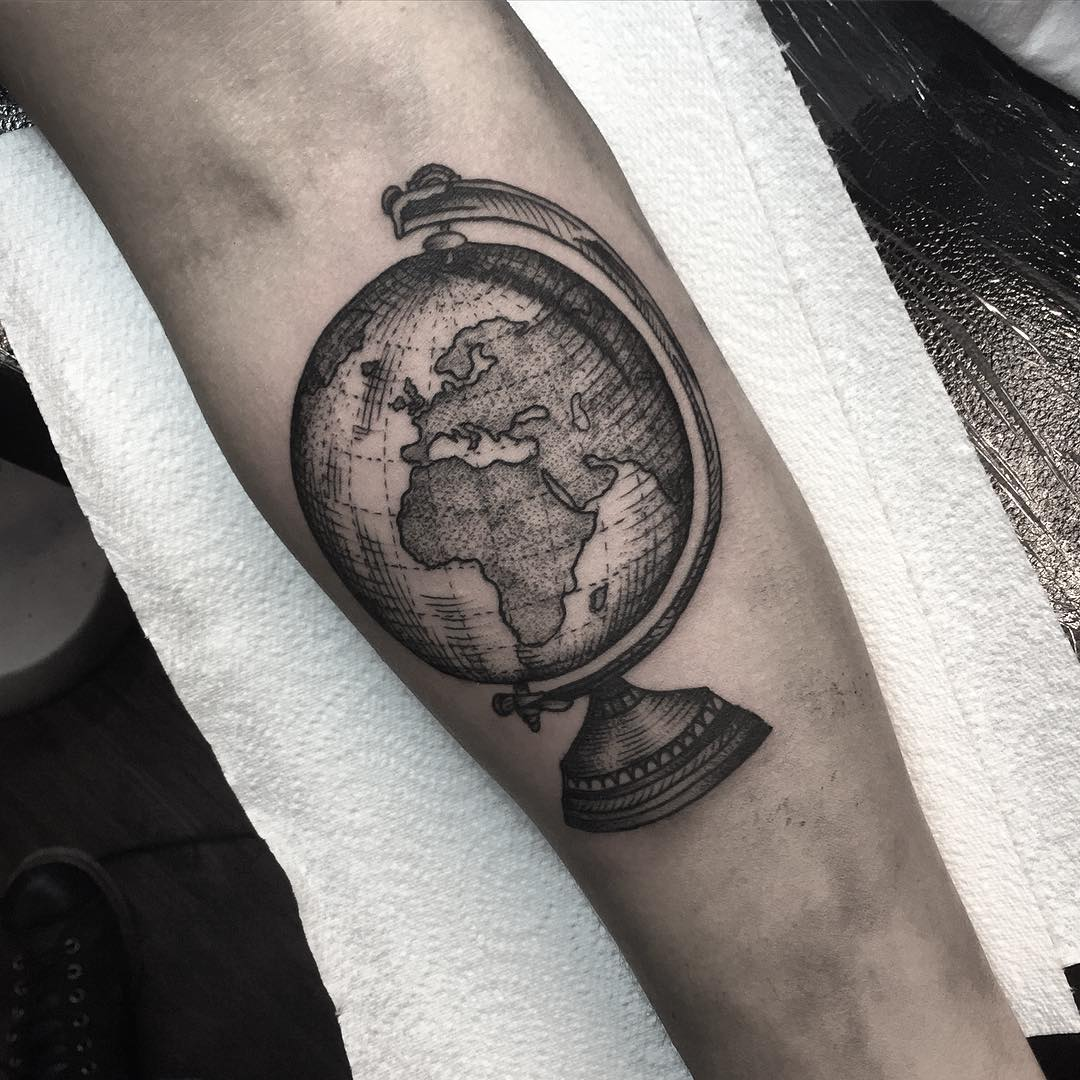 90+ Incredible Globe Tattoo Designs & Ideas With Meanings