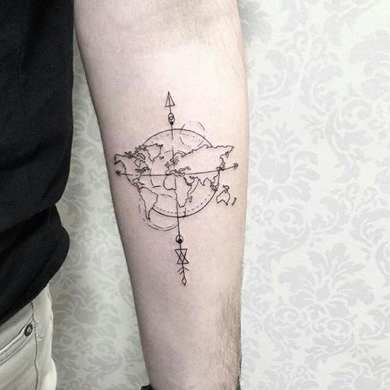 30+ Globe And Compass Tattoos For Travelers With Meanings