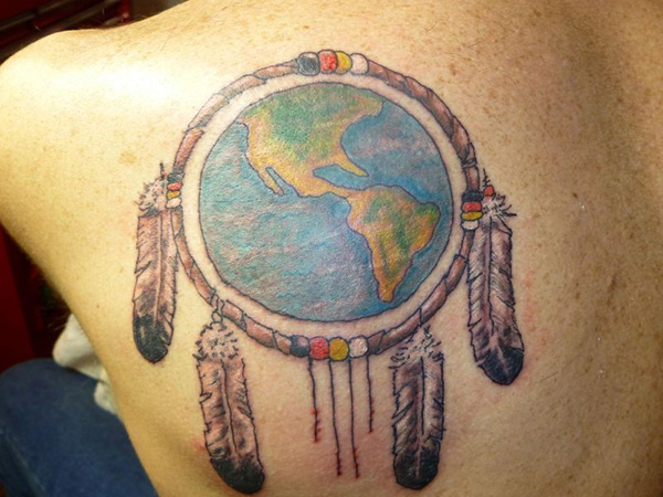 90 incredible globe tattoo designs ideas with meanings dreamcatcher and globe tattoo on left back shoulder gumiabroncs Image collections