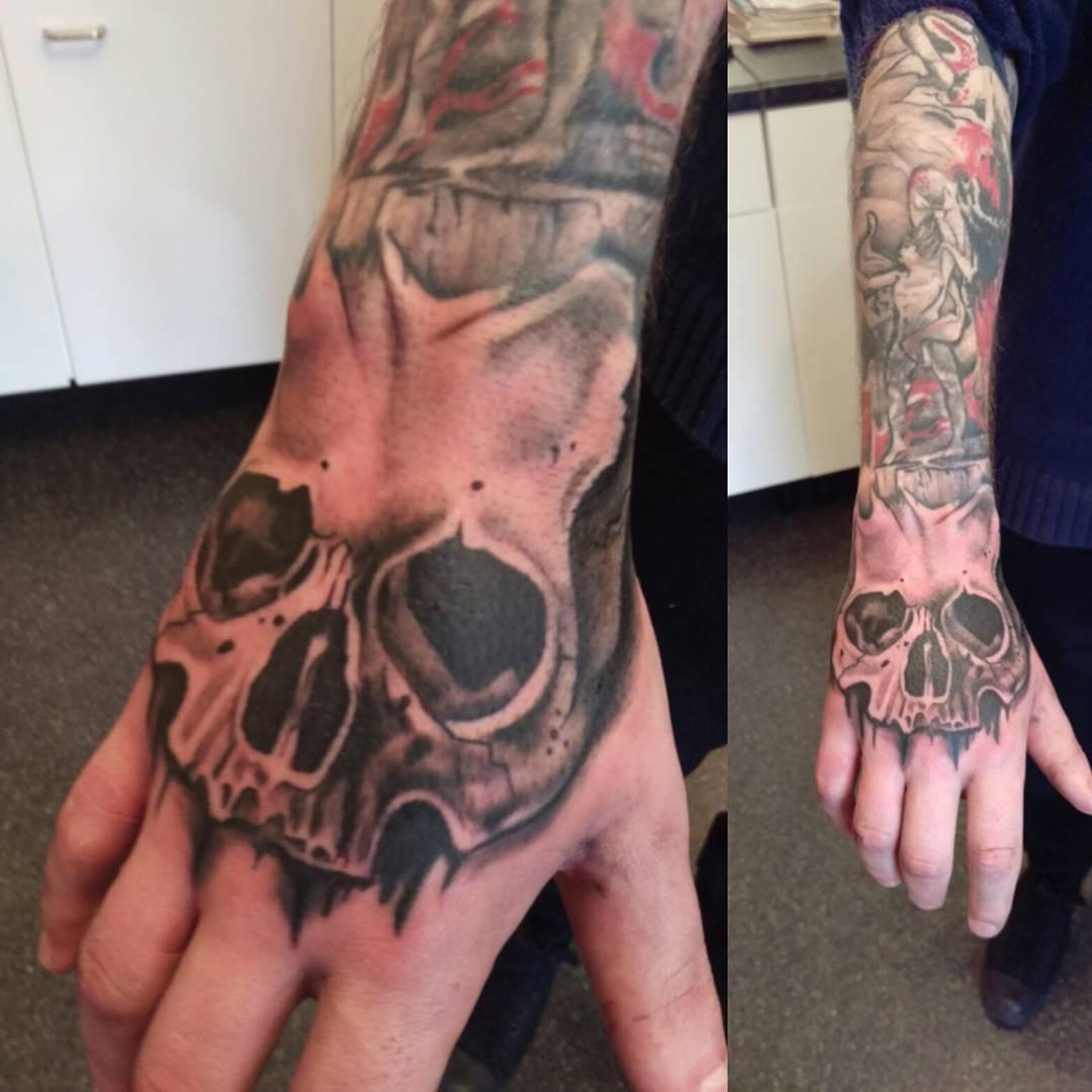 b90680e09 101+ Best Hand Tattoos and Designs For Men & Women