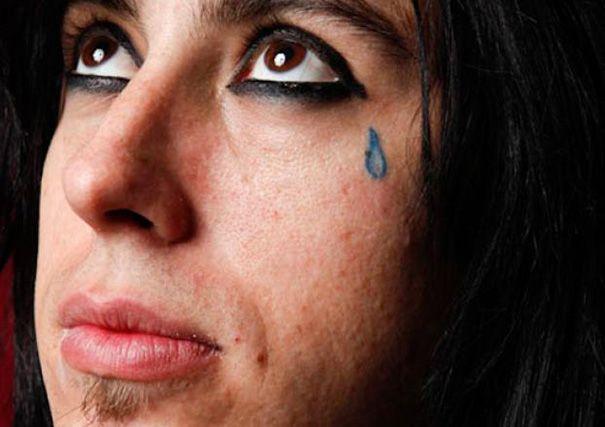 70+ Teardrop Tattoos – Tear Tattoos for Men and Women