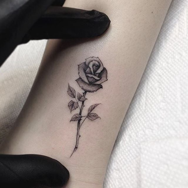 50 Small Rose Tattoos Designs